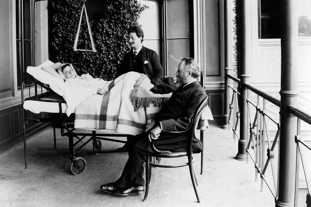Historisches Foto Dr. Billroth und Patient