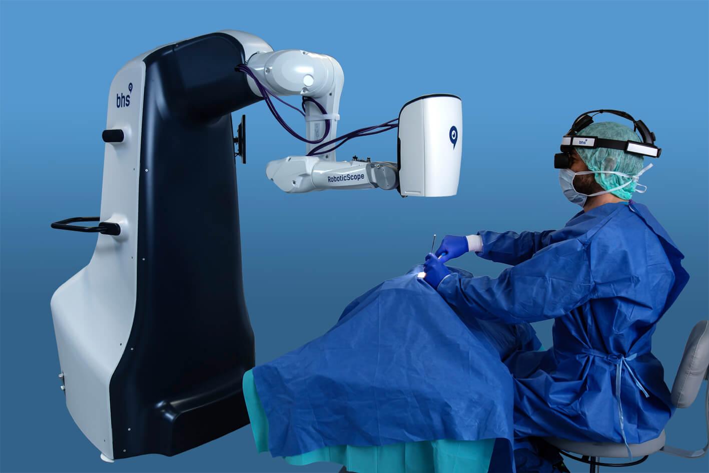 Operation mit dem RoboticScope® im RUDOLFINERHAUS