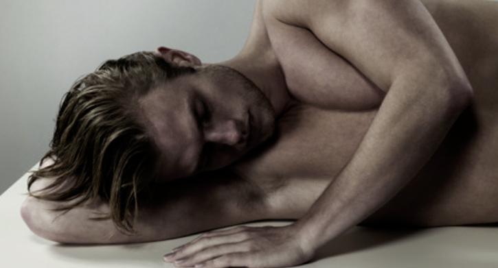 Schlafende Person in Seitenlage